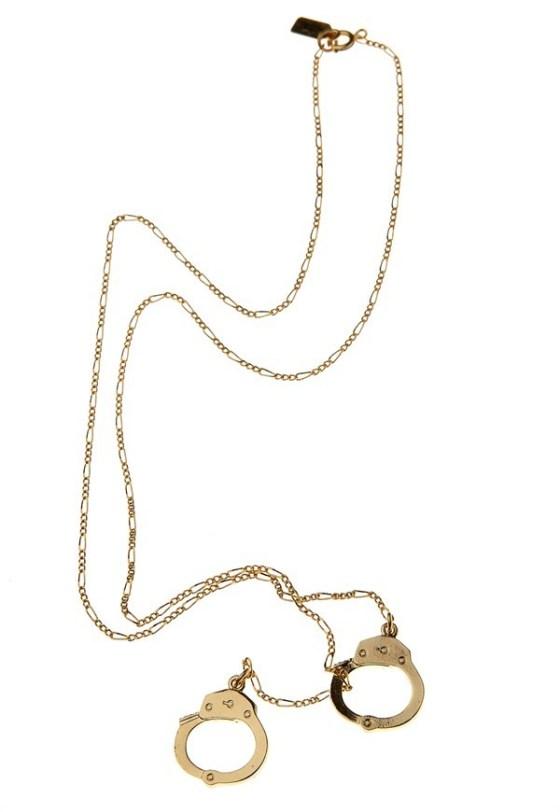 erica-weiner-handcuff-necklace-4067161433
