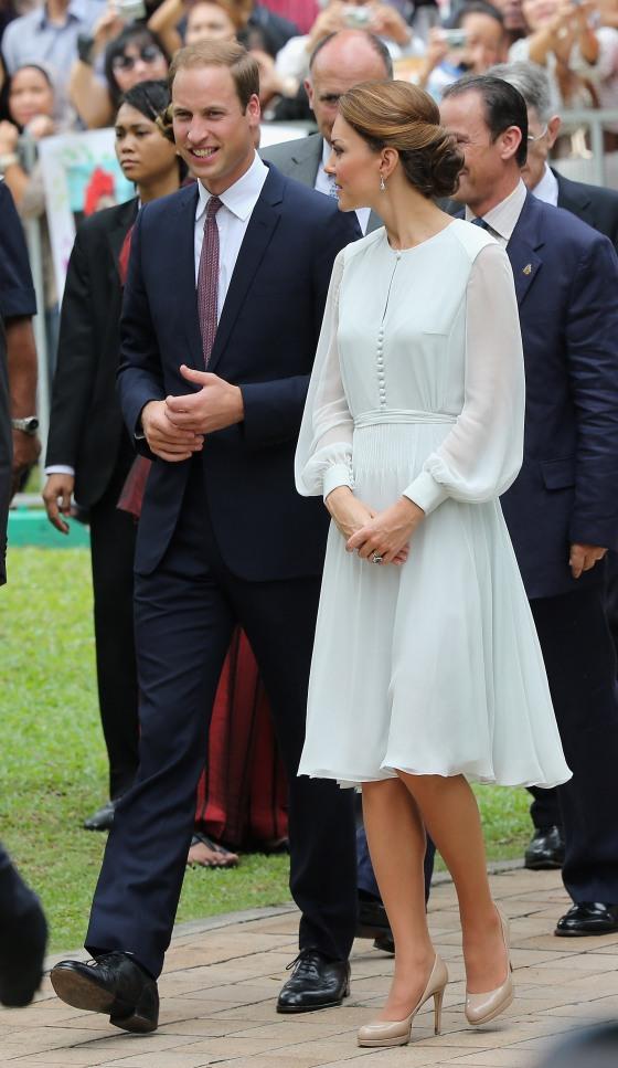 4- Kate Middleton in Beulah London.